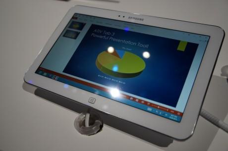 """Det 10.1"""" store nettbrettet Ativ Tab 3 kommer med full Windows 8 og kan dermed kjøre alle dine desktop-programmer!"""