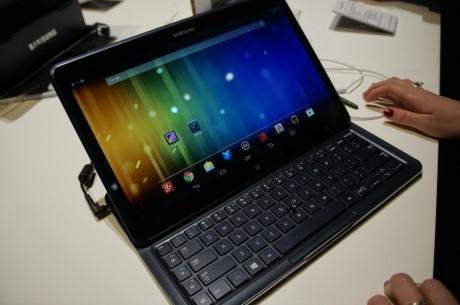 Og her har Ativ Q skiftet til Android.