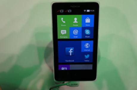 Android er ikke til at kende igen i Nokias version. Det minder i stedet ret meget om Windows Phone 8...