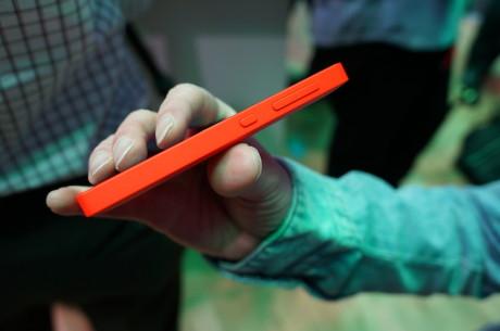 Ligesom de første Lumia-modeller er Nokia X og XL ikke de tyndeste telefoner. Men det er til at leve med den særdeles rimelige pris taget i betragtning.