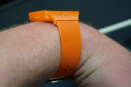 Galaxy Gear 2 Neo fylder knap så meget på armen som det første Galaxy Gear.