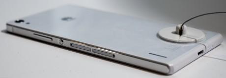 Som det kan ses på billedet understøtter Ascend P7 to samtidige SIM-kort.