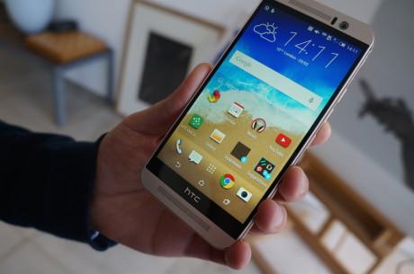 Her vises hjemmeskærmen med de otte apps, som brugeren har valgt skal vises derhjemme.