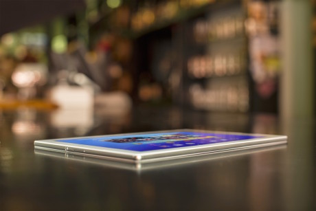 6,1 mm måler Xperia Z4 Tablet i tykkelsen og er dermed angivelig verdens tynneste nettbrett.