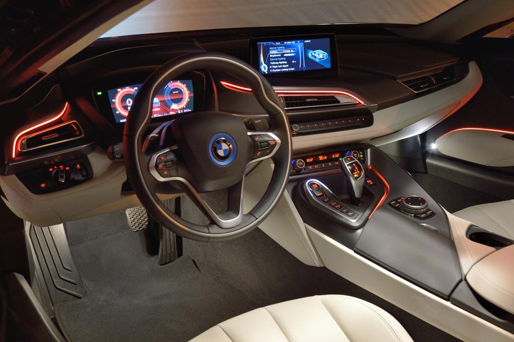 BMWi8_kabine_med_farver