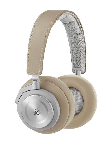 BeoPLay H7 fås i sort og natur/aluminium. Foto: B&O Play