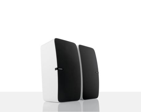 Man kan sammenkoble to højttalere til et stereosæt, og så kommer kvaliteterne virkelig til deres ret. (Foto: Producent)