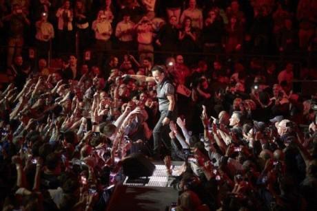 Bruce-Springsteen-WEB-The-River-Tour-2016-–-28.03-2-e1460707092212-2