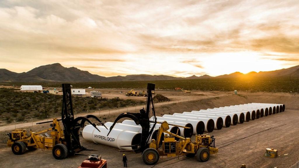 Vognene i Hyperloop skal kjøre i et lufttomt rørsystem. Den del kan man nu gå i gang med at arbejde på. Foto: Hyperloop One