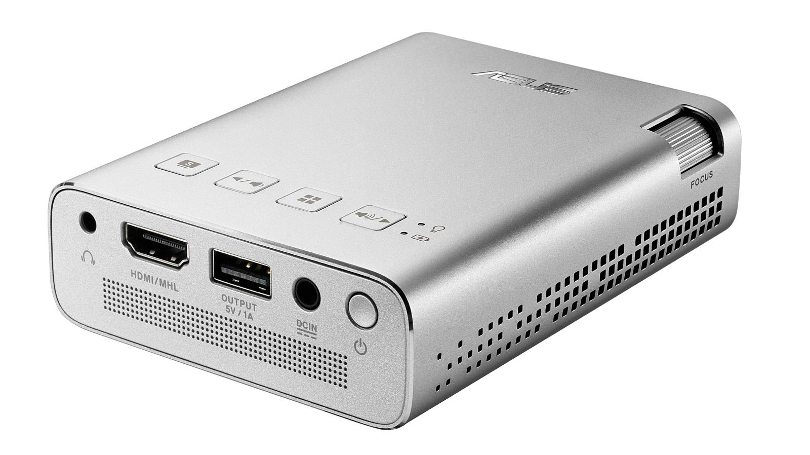 Der er de nødvendige tilslutninger - og kun dem. USB-porten er kun til opladning. Foto: Asus