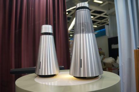BeoSound 1 til venstre. Det er BeoSound 2 til 12.999 kroner til højre. Foto: Peter Gotschalk, Lyd & Billede