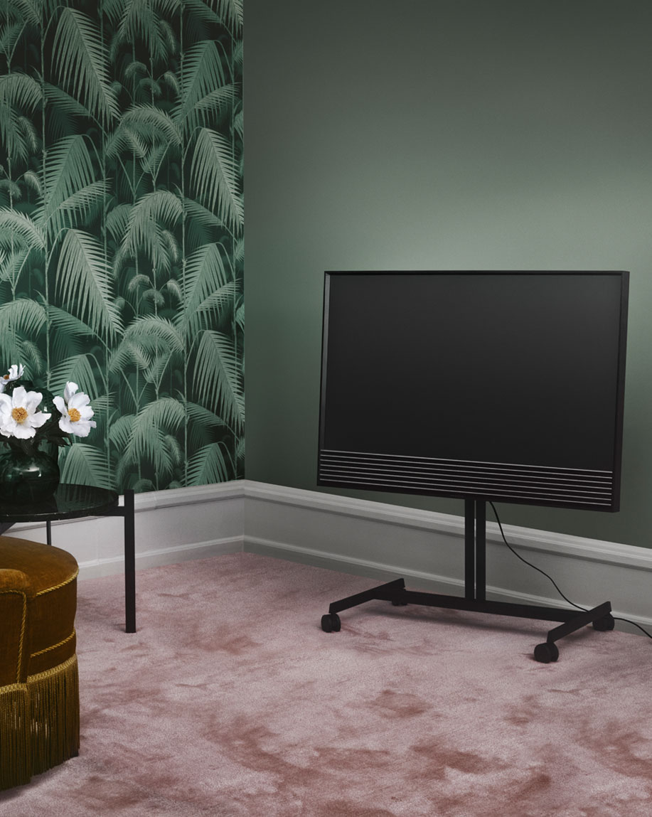 lille 4k tv fra bang olufsen lyd billede. Black Bedroom Furniture Sets. Home Design Ideas