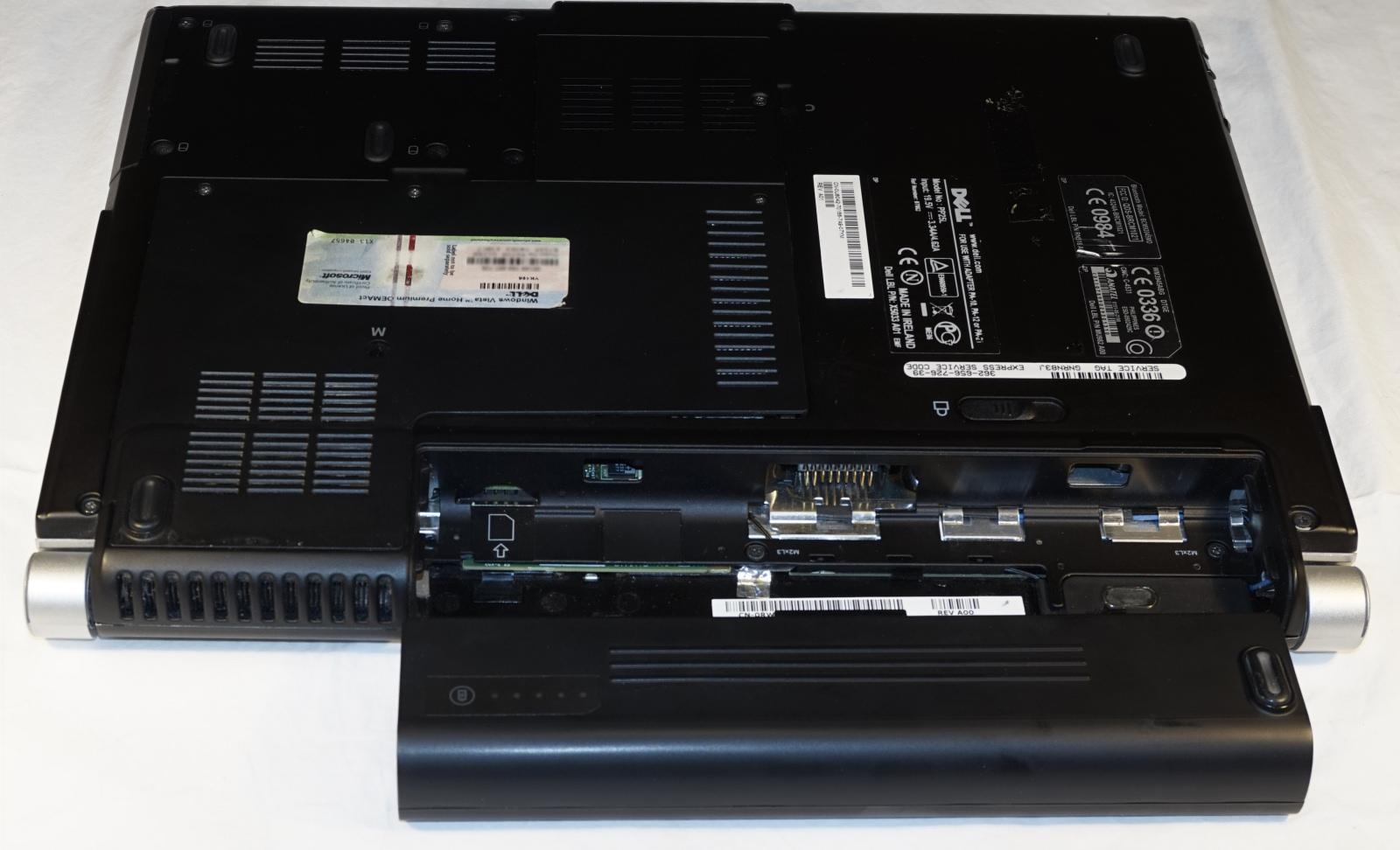 1. Klik det gamle batteri af. Foto: John Alex Hvidlykke, Lyd & Billede