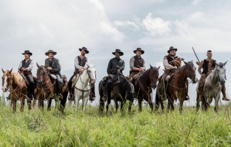 Denzel Washington;Chris Pratt;Ethan Hawke;Byung-hun Lee;Vincent D Onofrio;Martin Sensmeier;Manuel Garcia-Rulfo
