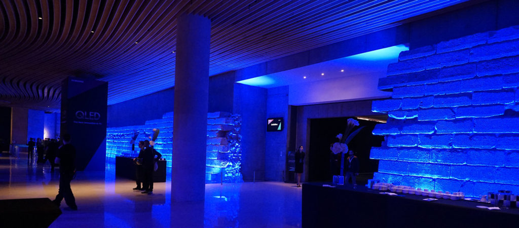 Samsungs evenemang ägde rum i källaren under konstmuseet Louvren. Foto: John Alex Hvidlykke, L&B