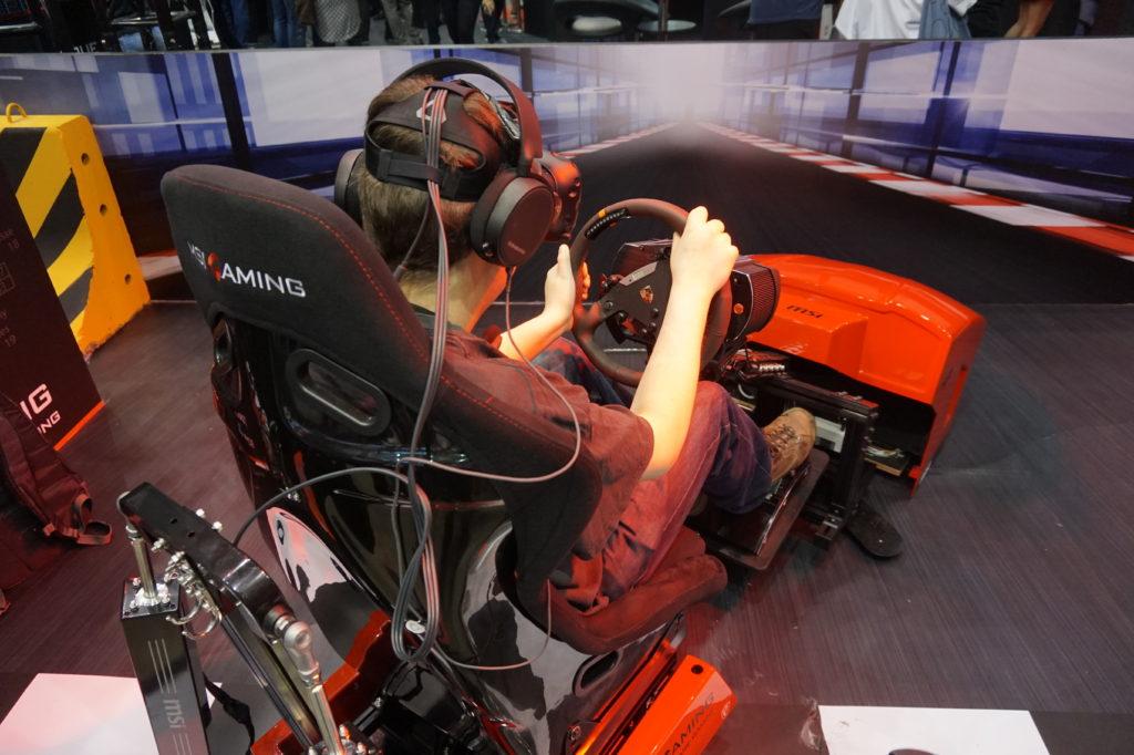 """VR demonstrerades bland annat av en specialbyggd bilsimulator, där sätet följde """"bilens"""" rörelser. Foto: John Alex Hvidlykke, L&B"""