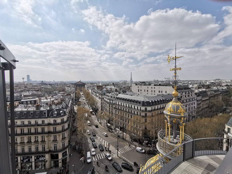 Eiffeltornet-Ultra-wide-989x742