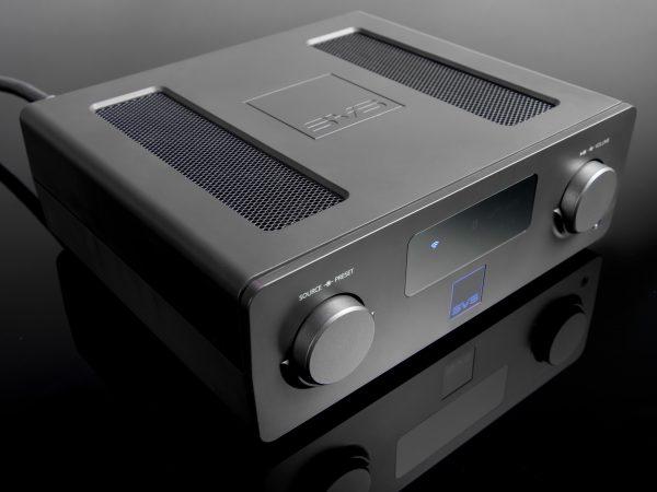 Moderne stereoforstærkere