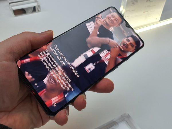 OnePlus er klar med 120 Hz Fluid Display-skærme i 2020