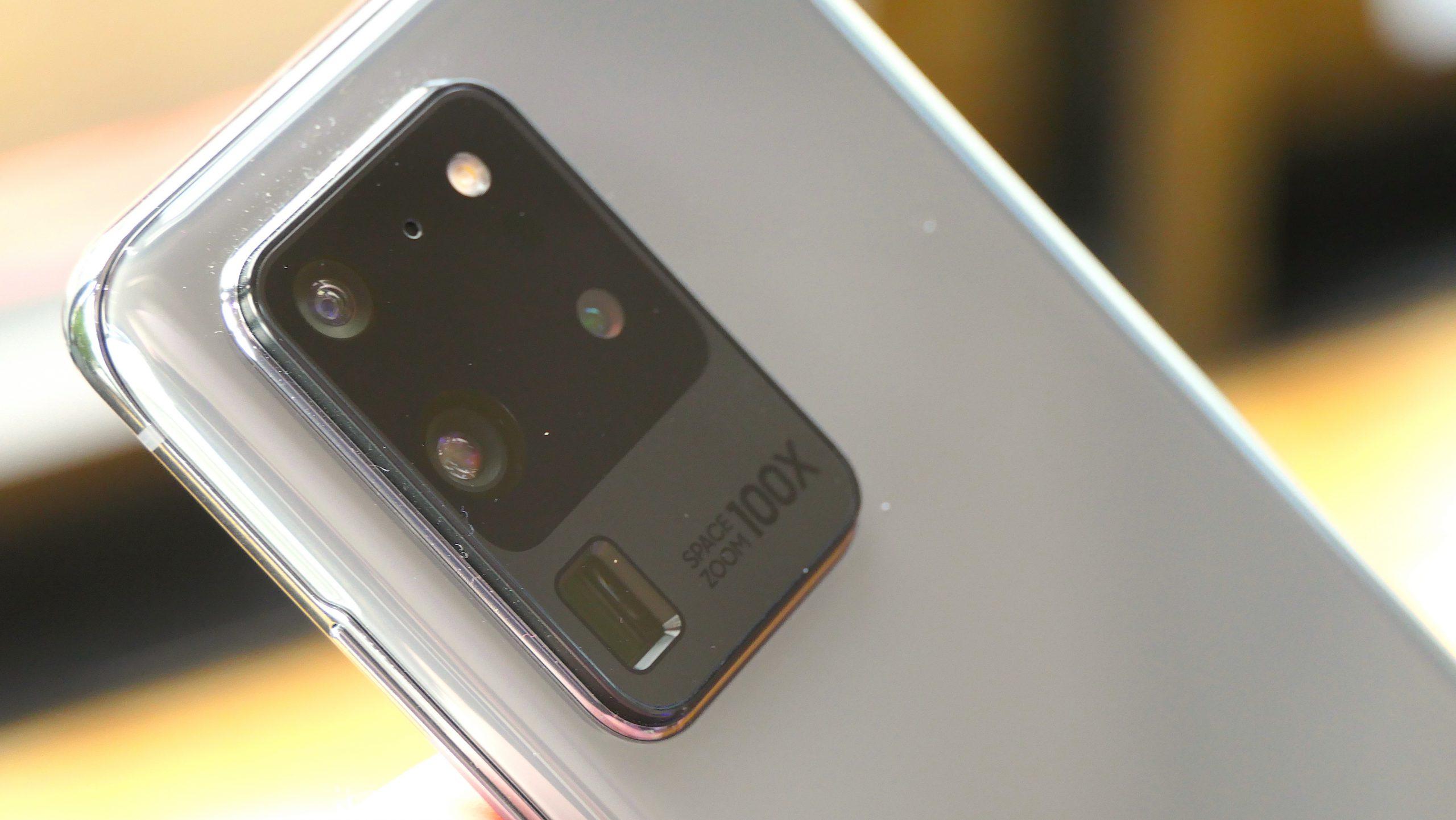 """Det er kun Samsung Galaxy S20 Ultra, som tilbyder op til 100X såkaldt Space Zoom. S20 og S20+ må """"nøjes"""" med 30X. (Foto: Peter Gotschalk)"""