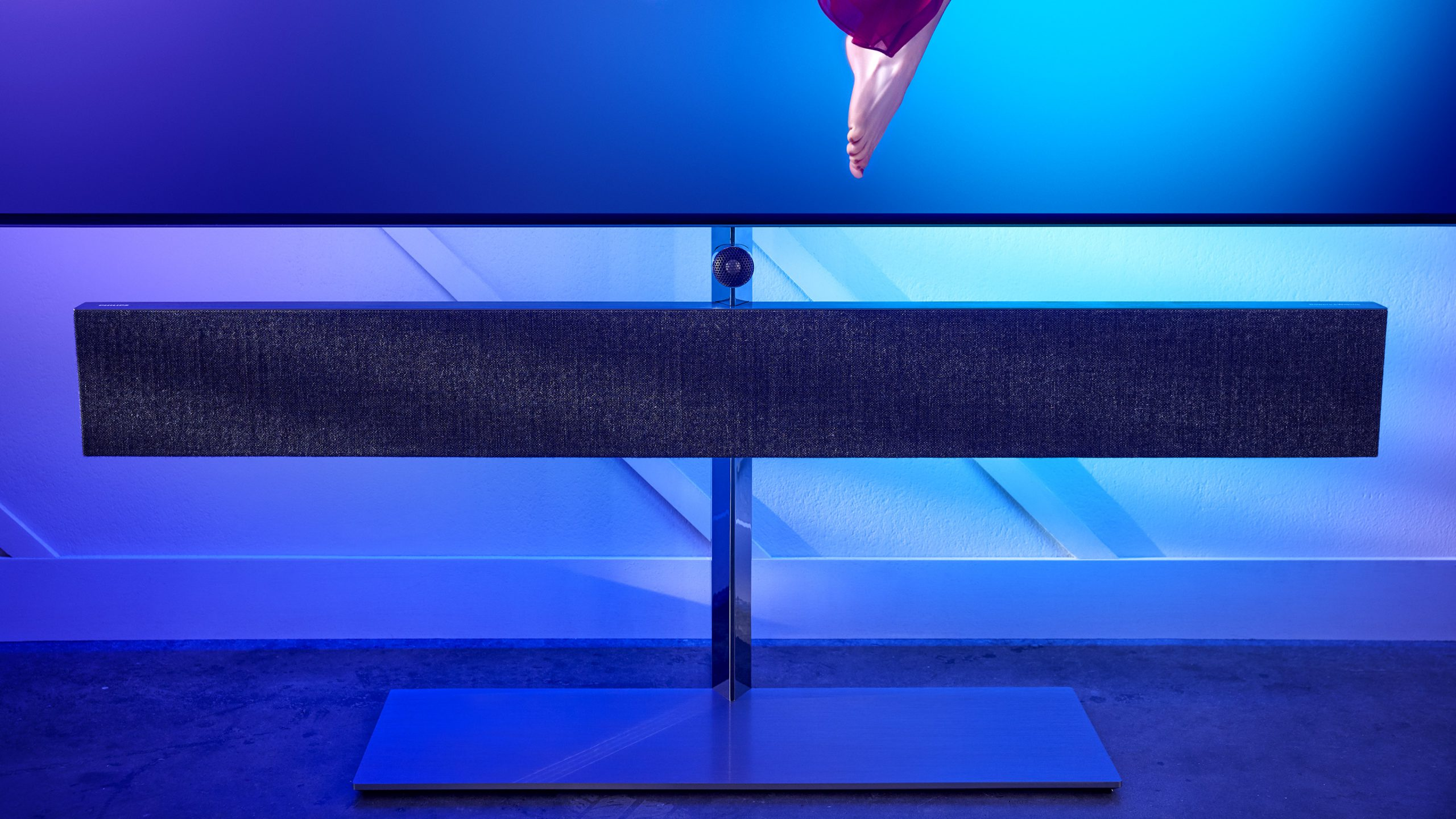 Philips 65OLED984 soundbar front