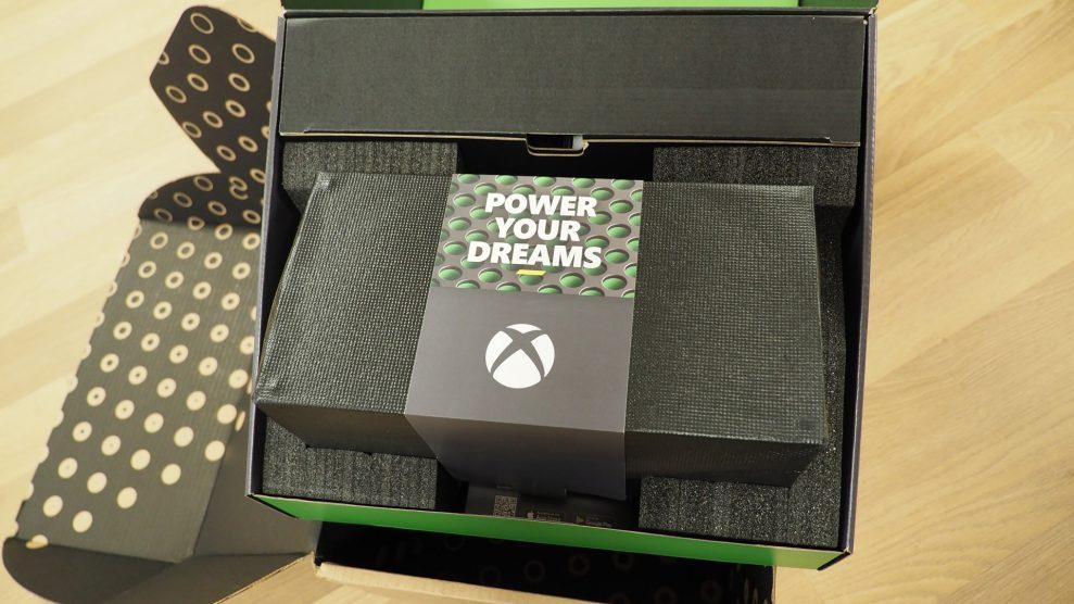 Xbox-Series-X-unboxing