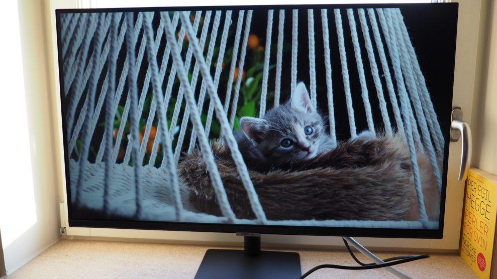 Samsung-M7-cat-scaled