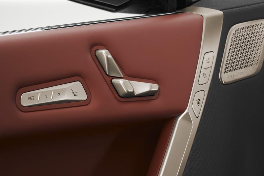 BMW iX door