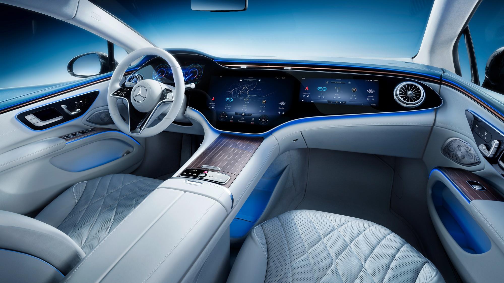 Mercedes EQS infotainment