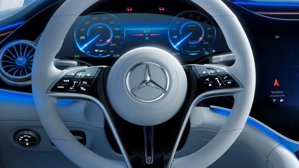 Mercedes EQS 8