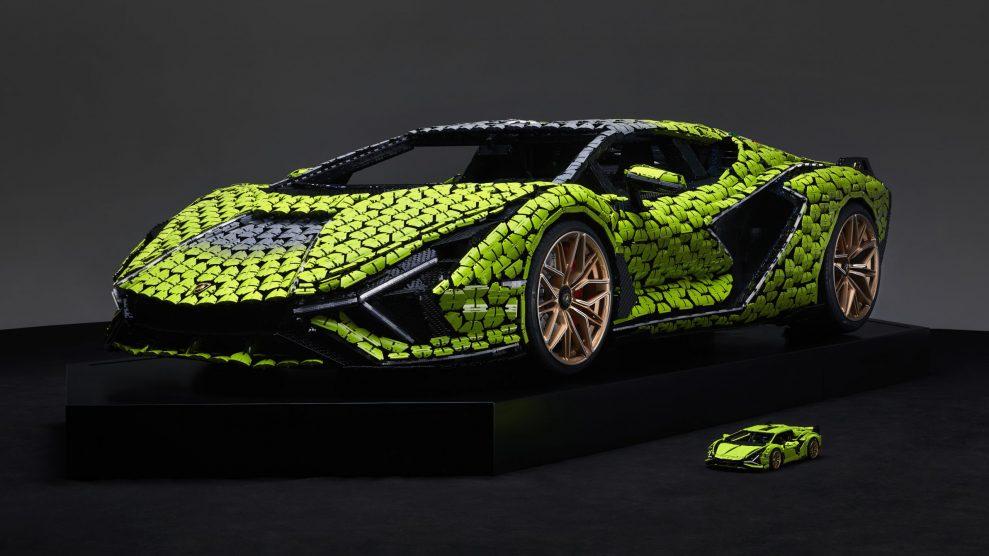 Life-size LEGO Technic Lamborghini Sian FKP 37 (16)