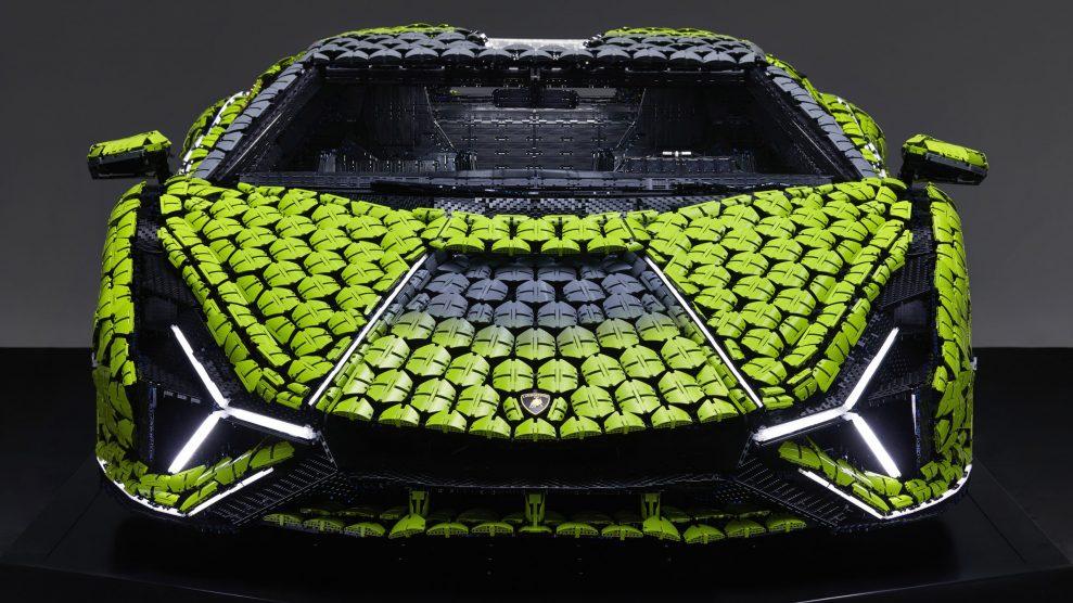 Life-size LEGO Technic Lamborghini Sian FKP 37 (18)