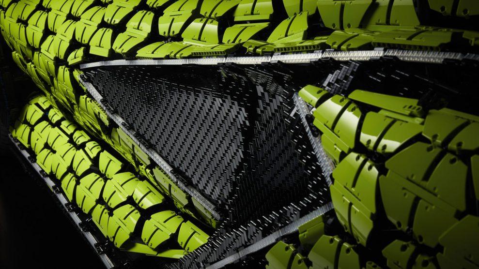 Life-size LEGO Technic Lamborghini Sian FKP 37 (6)