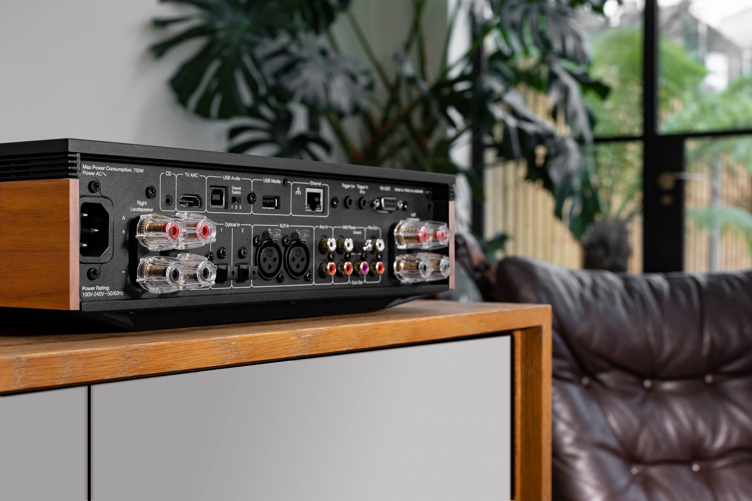Cambridge Audio Evo 150 rear