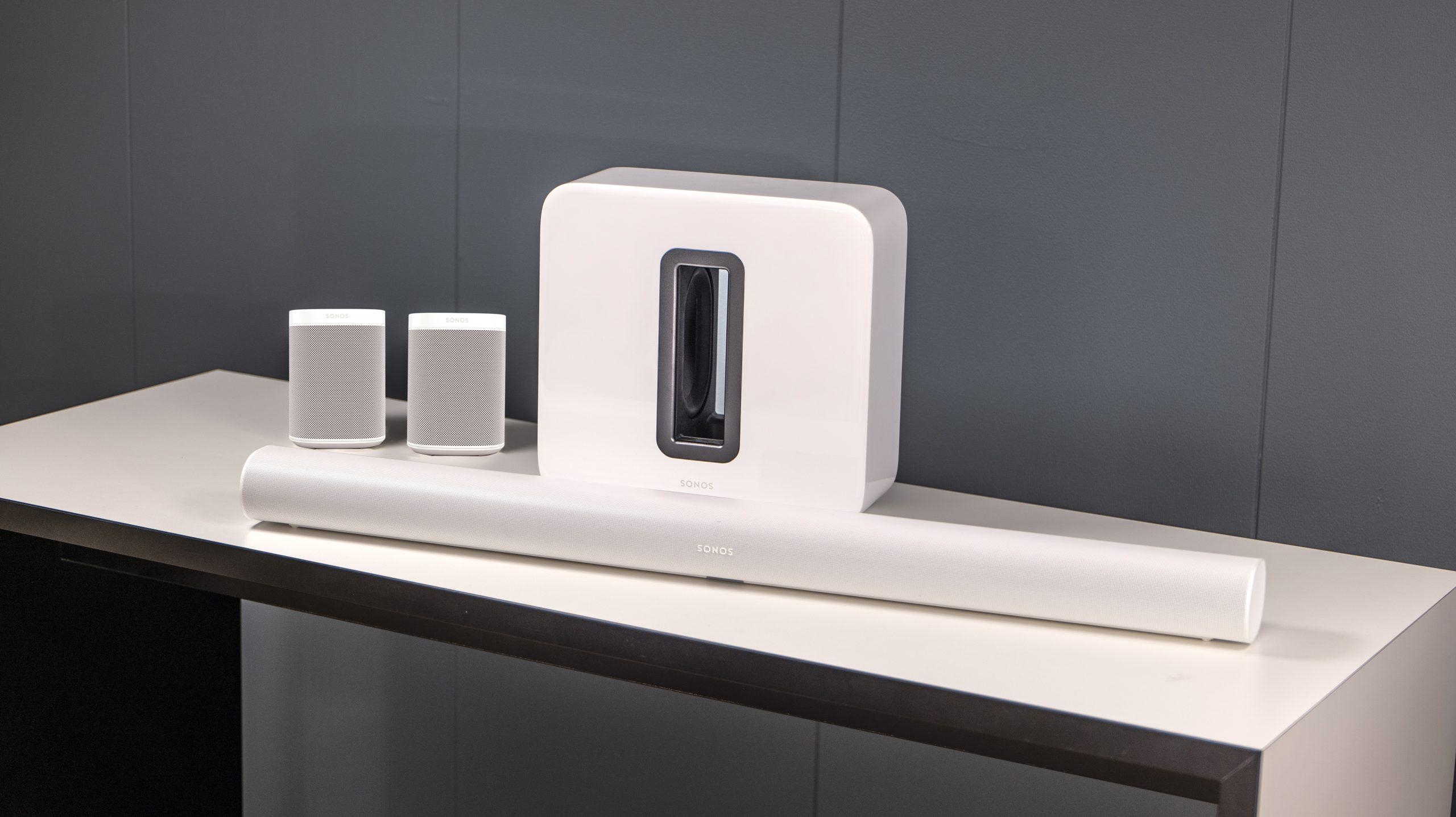 Sonos Arc, Sub (Gen 3), 2 x One SL. Photo: Geir Gråbein Nordby