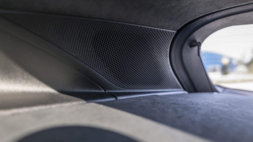 Porsche Taycan Cross Turismo rear speaker
