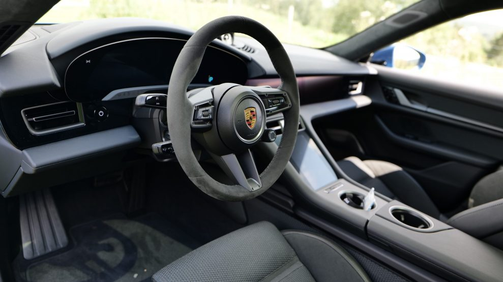Porsche Taycan Cross Turismo steering wheel
