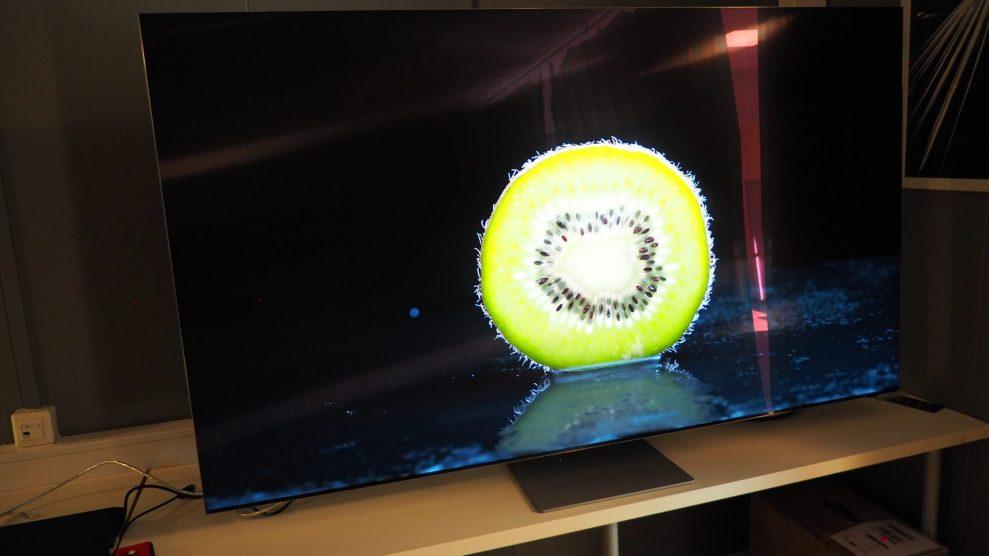 Samsung-QN900A-8K-fruit-scaled